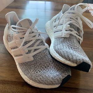 EUC Adidas UltraBoost Non Dyed White Size 8.5